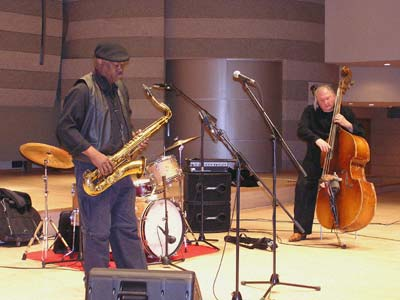 Trio X playing in Congress Hall